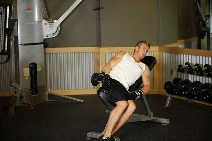 one-arm-incline-lateral-raise1
